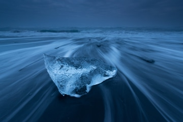 Ice_and_Fire_01